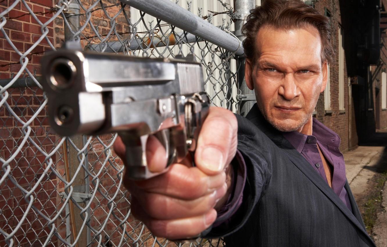 Photo wallpaper gun, weapons, Beast, Patrick Swayze, Patrick Swayze, The Beast