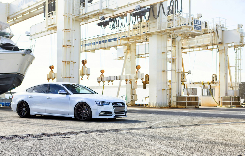 Photo wallpaper Audi, white, wheels
