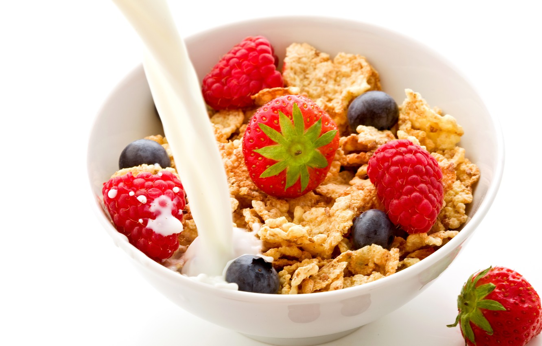 Photo wallpaper raspberry, food, Breakfast, milk, blueberries, strawberry, fruit, fruit, corn flakes, breakfast, milk, blueberries, strawberries, raspberries, …