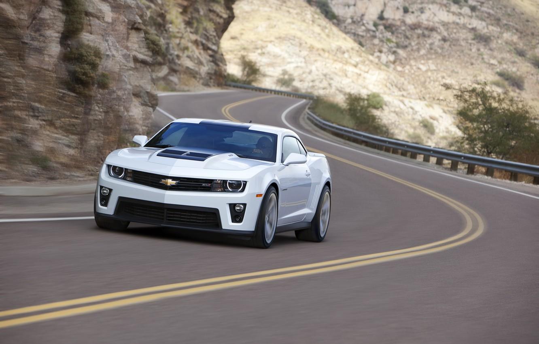 Photo wallpaper road, white, rock, markup, turn, white, Chevrolet, chevrolet, road, bump, Camaro зл1, camaro zl1