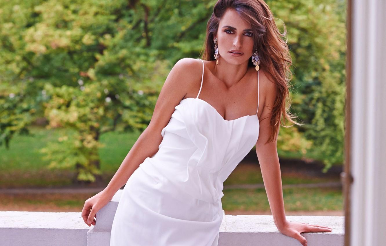 Photo wallpaper summer, white, dress, actress, beauty, balcony, Penelope Cruz, Penelope Cruz