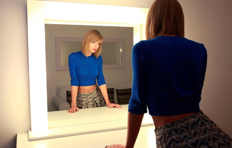 Photo wallpaper reflection, Taylor Swift, The Parisian, October 2014