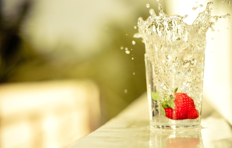 Photo wallpaper WATER, DROPS, STRAWBERRY, TABLE, GLASS, SPLASH
