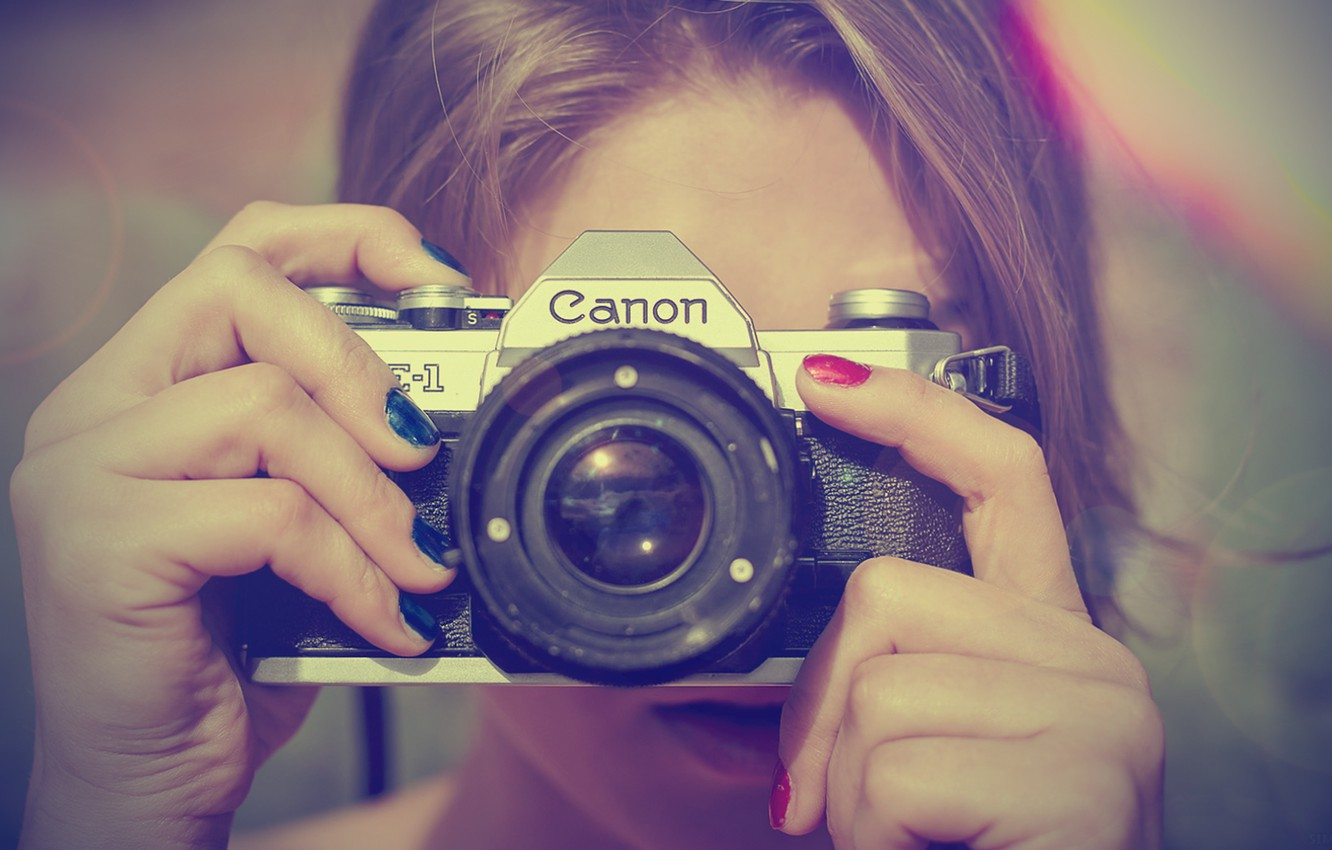 Photo wallpaper girl, photography, canon, camera, blonde, nails, fingers