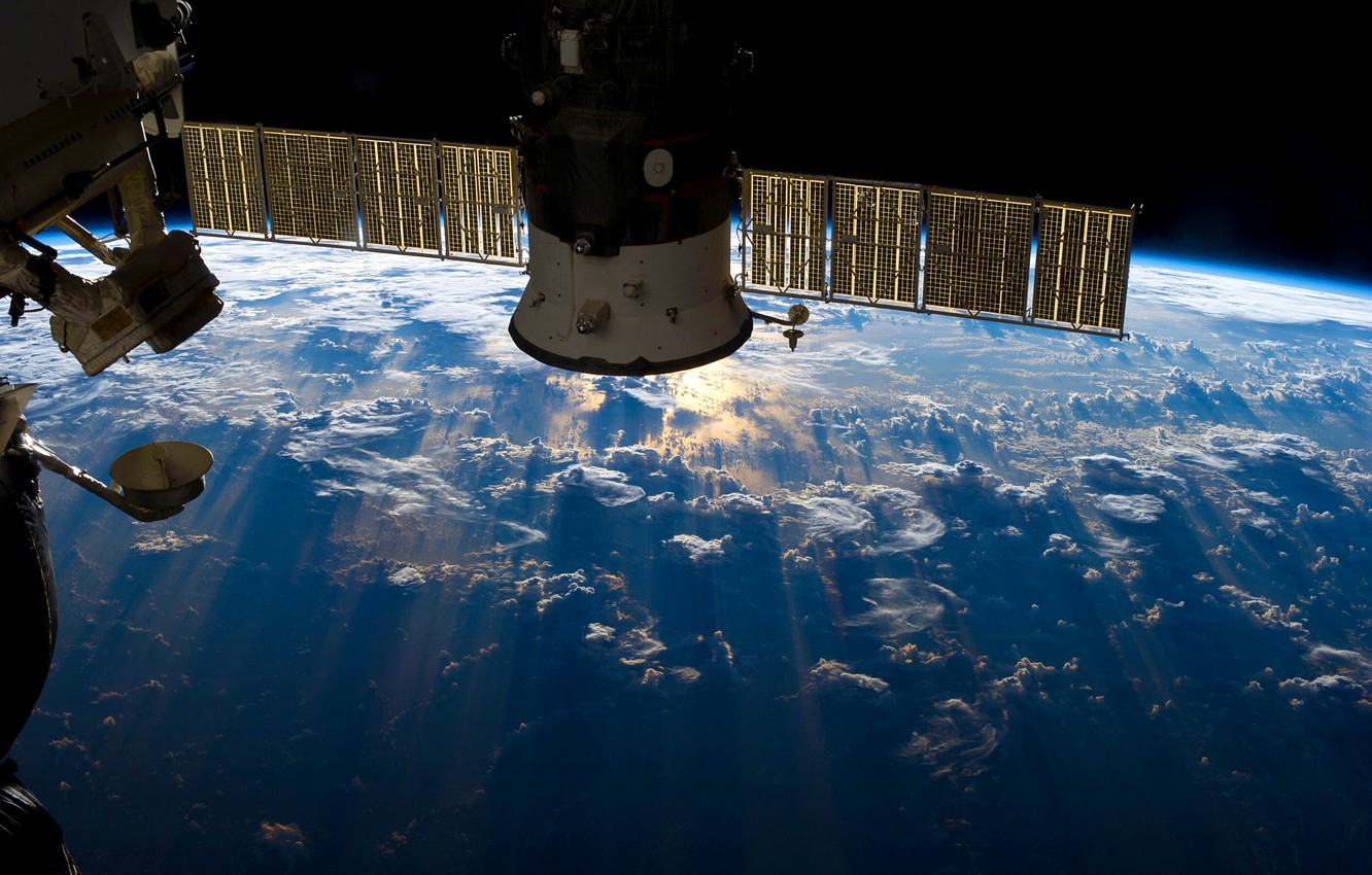 Photo wallpaper space, clouds, the ocean, earth, planet, glow, orbit, space, ISS, ISS, module