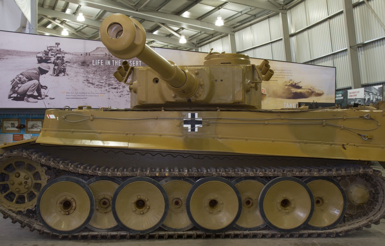 Photo wallpaper Tiger, Museum, German, heavy tank, tiger I