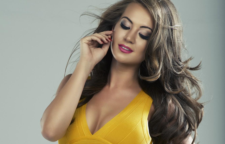 Photo wallpaper girl, model, makeup, figure, hairstyle, neckline, brown hair, yellow dress