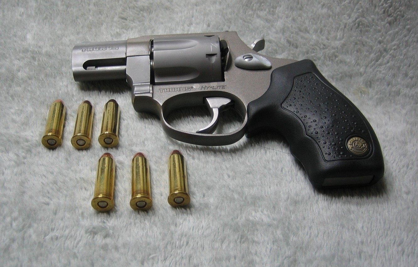 Wallpaper carpet, cartridges, revolver, revolver, Taurus, 38 special