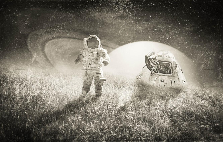noch svet pole trava astronavt skafandr kapsula nebo zvezdy