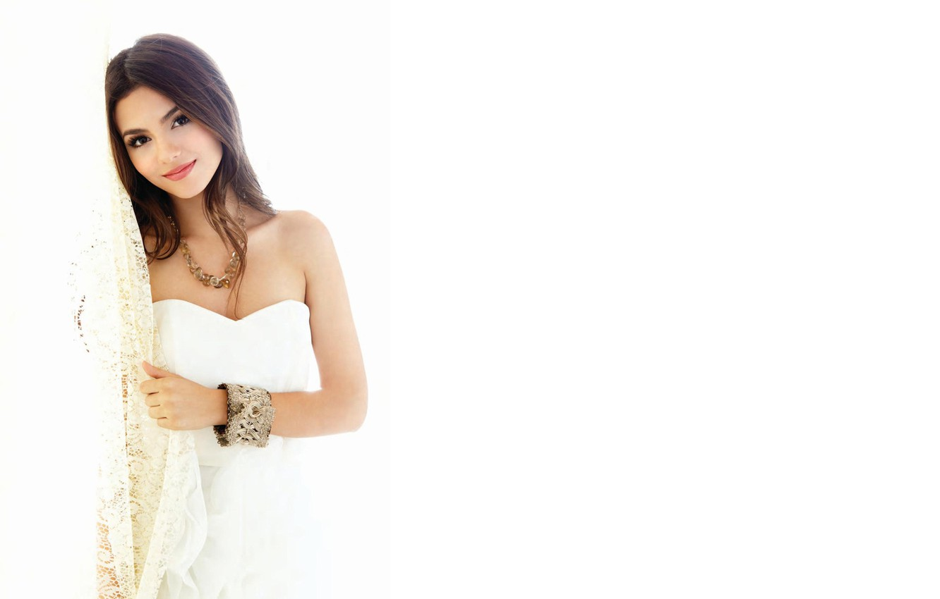 Photo wallpaper eyes, look, girl, smile, background, hair, brunette, bracelet, beautiful, WHITE, Victoria, victoria justice