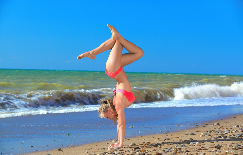 Photo wallpaper beach, sea, model, bikini, yoga, acrobat, alessandra has, perfection, equilibrium