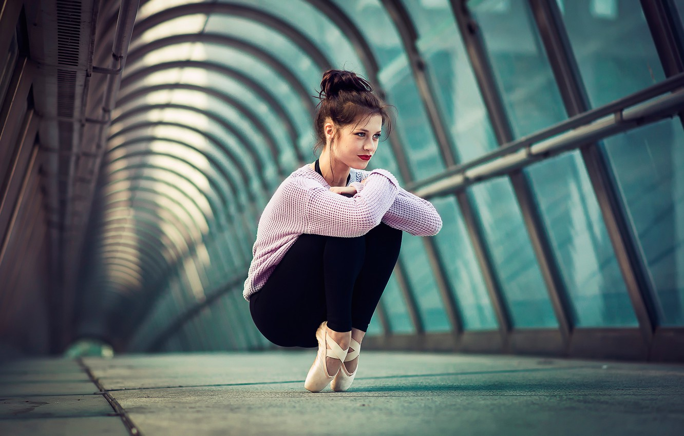 Photo wallpaper the city, grace, ballerina, Pointe shoes, tights