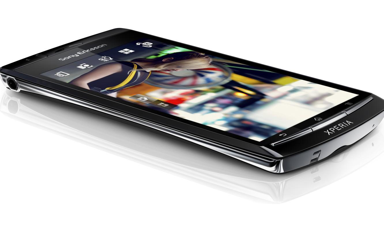 Photo wallpaper white, background, lies, Hi-Tech, mobile, Sony Ericsson