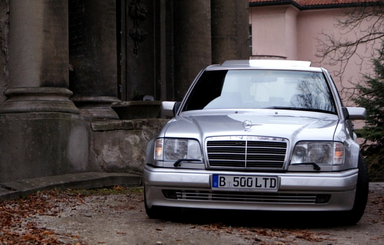 Photo wallpaper Mercedes-Benz, E500, W124