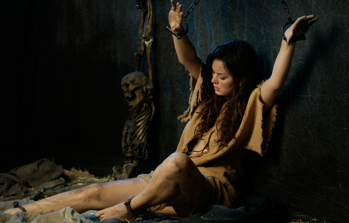 Photo wallpaper girl, camera, the remains, bones, skeleton, brown hair, chain, punishment, prison, shackles, weight
