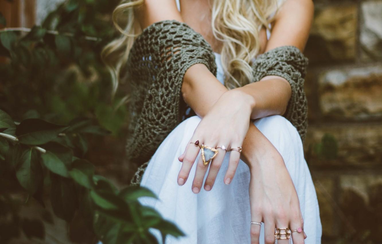 Photo wallpaper ring, hands, blonde
