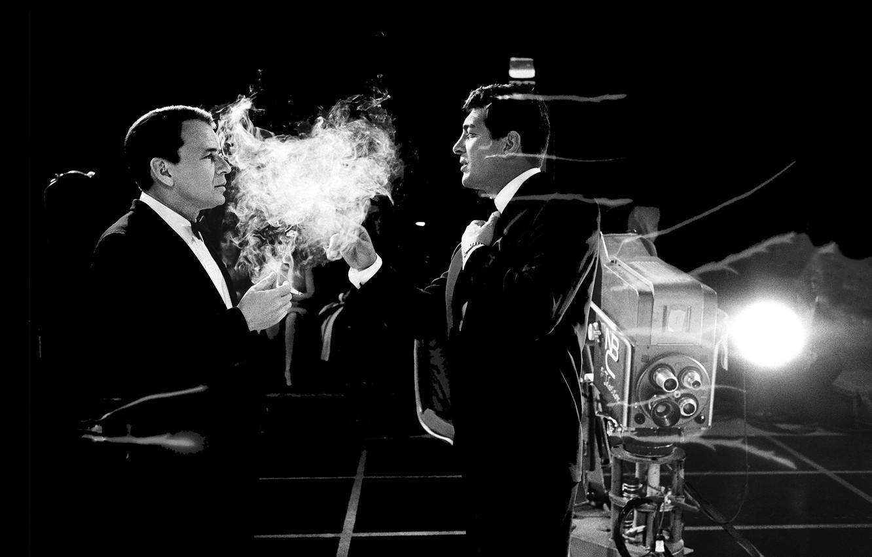 Photo wallpaper retro, smoke, camera, cigarette, Martin, men, singer, TV, frank sinatra, sinatra, dean martin, nbc, cigarette …