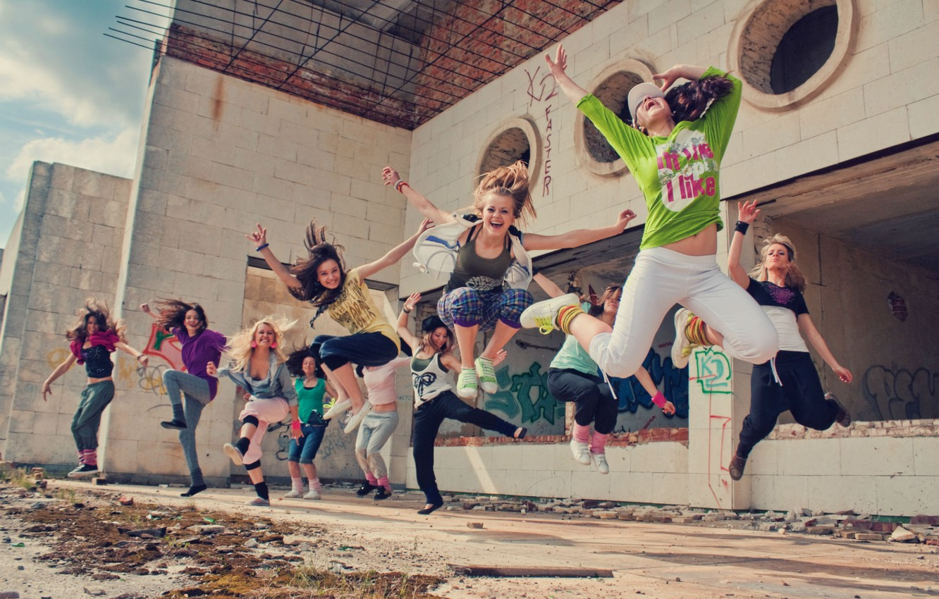 Photo wallpaper girl, flight, joy, happiness, movement, people, situation, jump, Wallpaper, dance, in the air, jumping, action. …