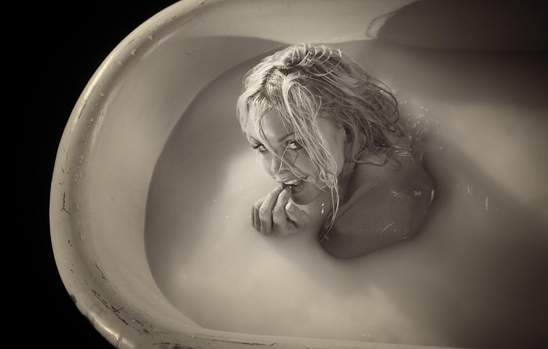 Photo wallpaper Girl, Wet, Blonde, Sepia, Milk, Bath, Jesse Jane, Jesse Jane