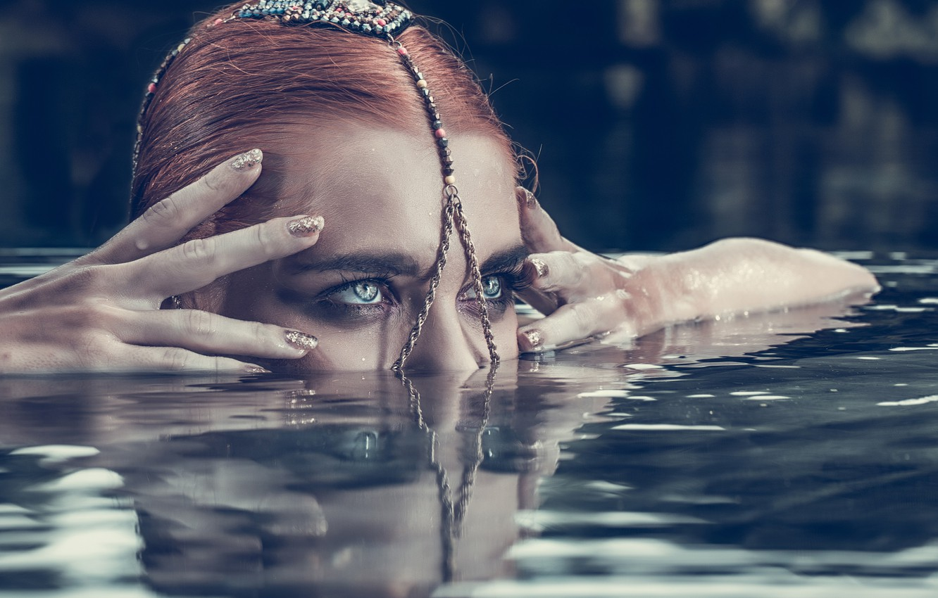 Photo wallpaper eyes, look, water, girl, face, style, the situation, hands, fingers, decoration