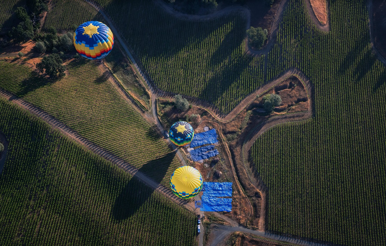 Photo wallpaper field, balloons, road, shadow, the countryside, farm, solar, extreme sports