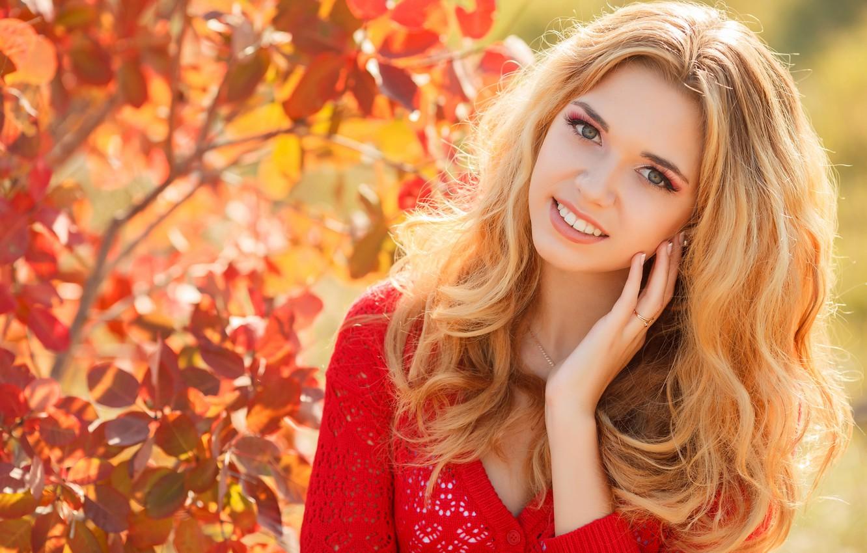 Photo wallpaper autumn, look, girl, smile, makeup, blonde