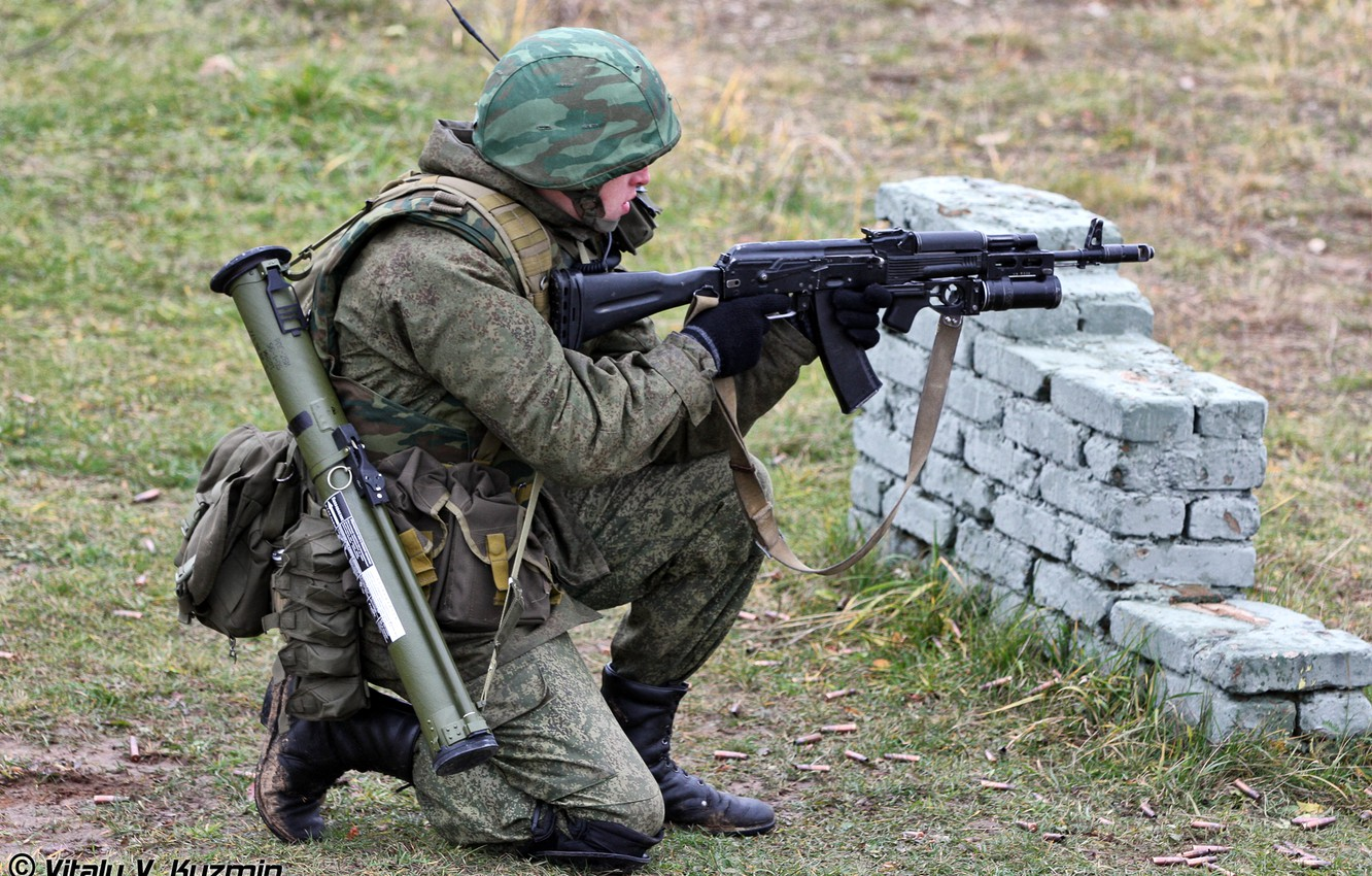 Photo wallpaper forest, soldiers, camouflage, fighter, helmet, the shooting range, Russian