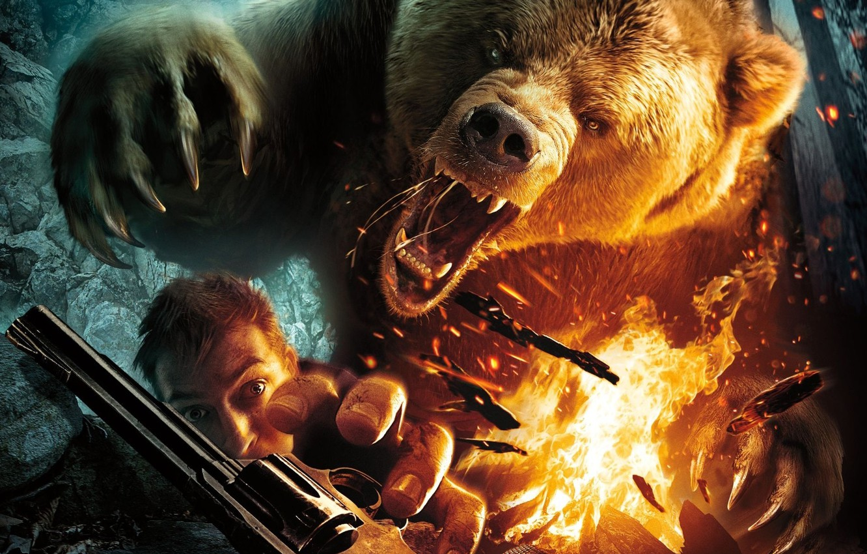 Photo wallpaper fire, man, revolver, grizzly, roar