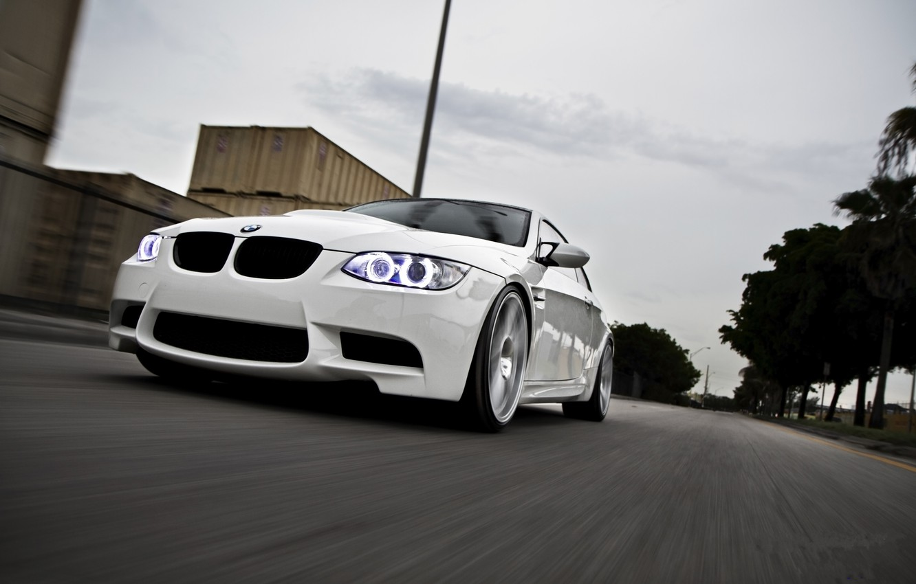 Photo wallpaper road, white, the sky, palm trees, bmw, BMW, white, road, containers, speed, e92, daylight
