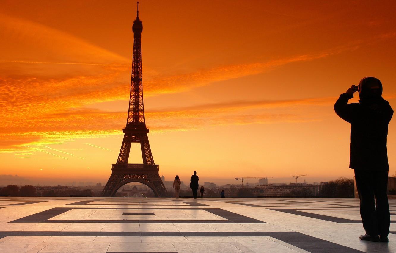 Photo wallpaper France, Paris, Sunset, The sky, Clouds, The evening, Area, People, Eiffel tower, Paris, France