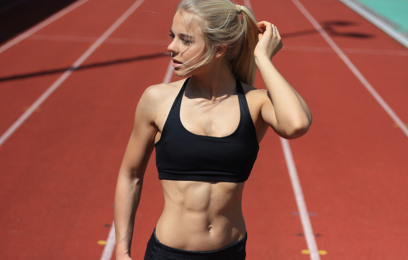 Blonde athlete