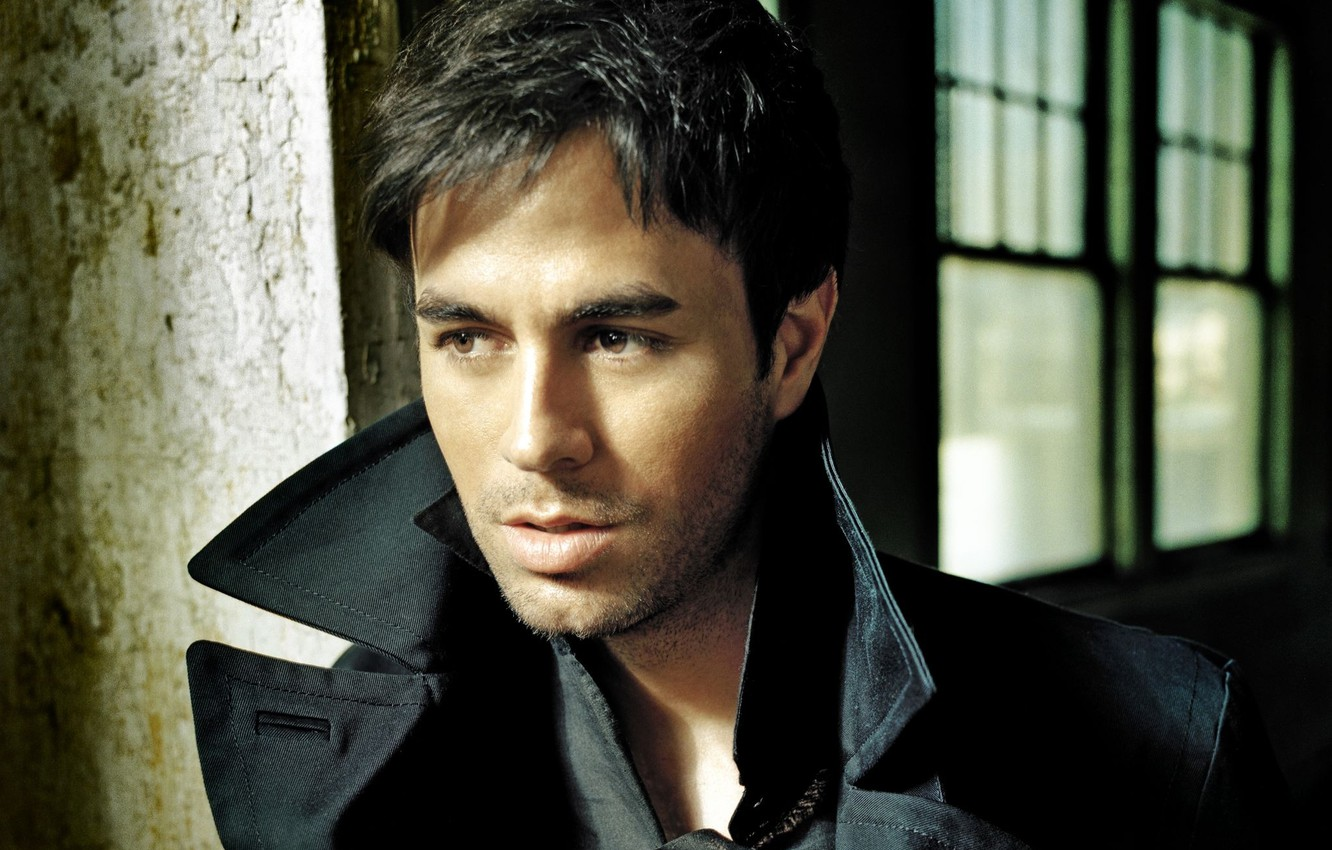 Photo wallpaper male, singer, Enrique