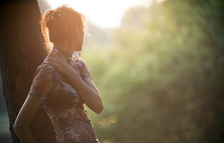 Photo wallpaper girl, loneliness, tree