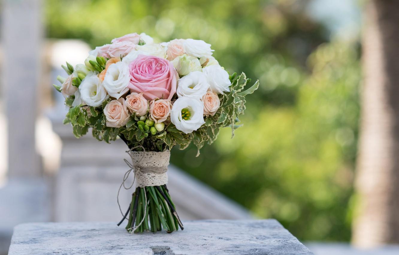 Photo wallpaper glare, background, roses, bouquet, bokeh, eustoma