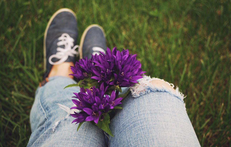 Photo wallpaper flowers, sneakers, jeans