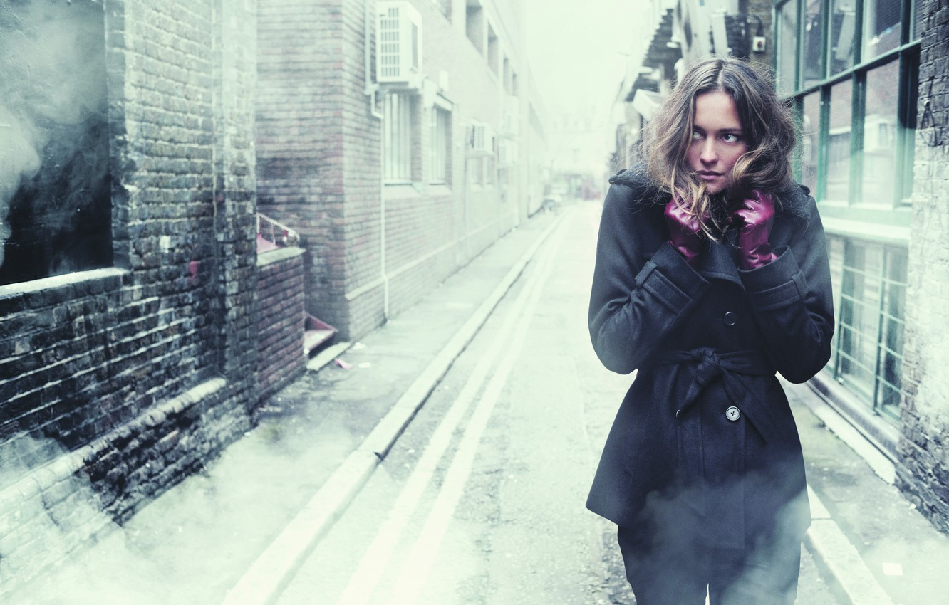 Photo wallpaper cold, girl, loneliness, fear, street, anxiety