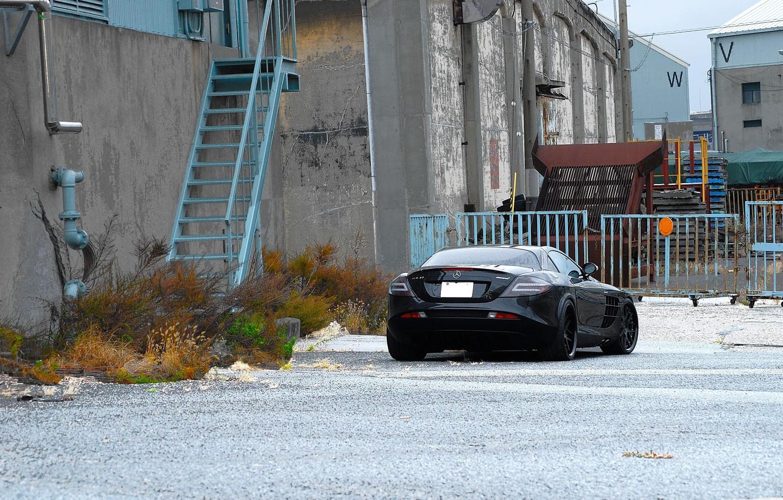 Photo wallpaper black, the building, ladder, black, Mercedes Benz, rear view, SLR McLaren, Mercedes Benz, SLR McLaren