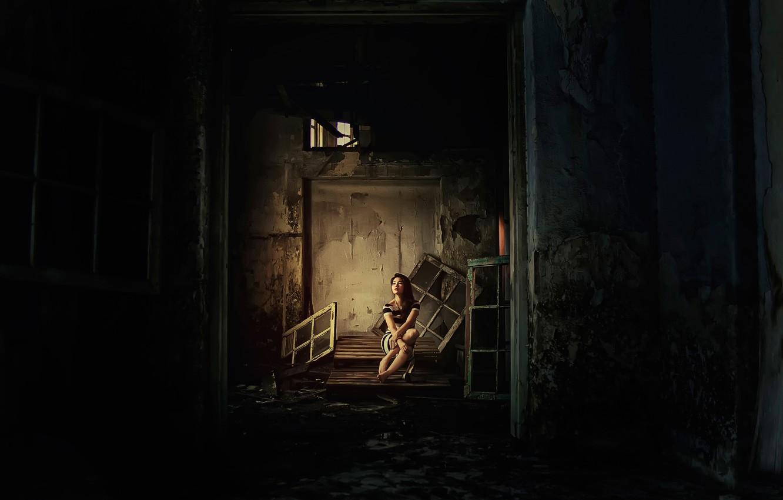 Photo wallpaper girl, abandoned building, desolation, pallets
