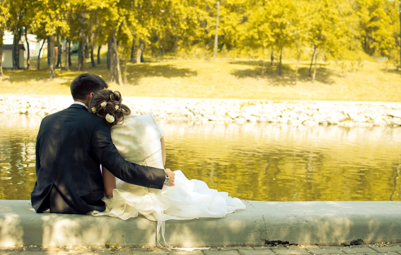 Photo wallpaper trees, love, lake, pair, the bride and groom