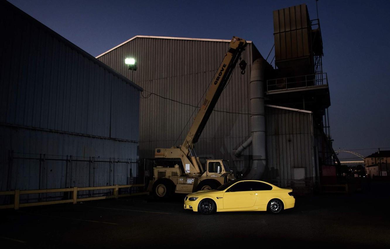 Photo wallpaper yellow, building, bmw, BMW, coupe, crane, arrow, e92, Dakar Yellow