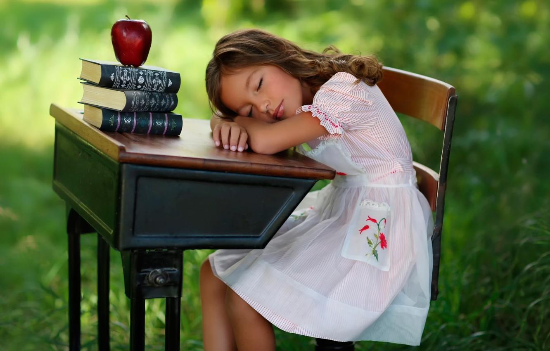 Photo wallpaper books, Apple, sleep, girl