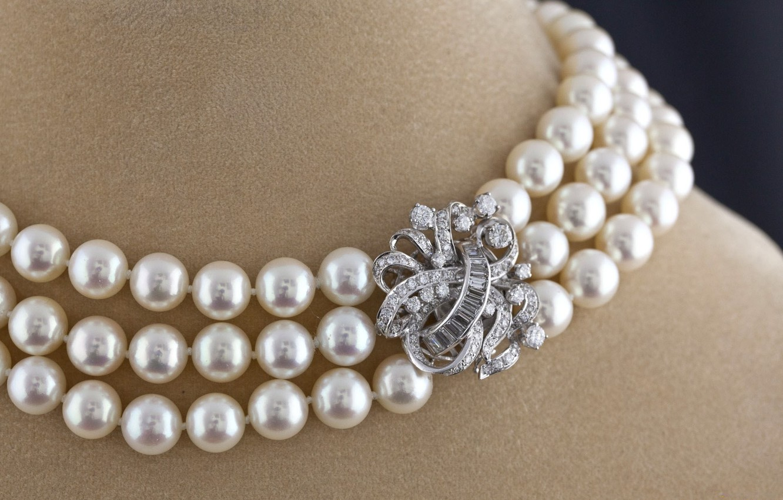 Photo wallpaper white, pearl, beads, neck