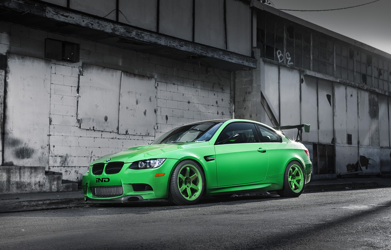 Photo wallpaper green, green, the building, bmw, BMW, shadow, side view, e92, wing