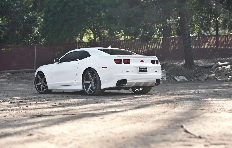 Photo wallpaper white, trees, black, the fence, white, wheels, Chevrolet, drives, black, camaro, chevrolet, Camaro
