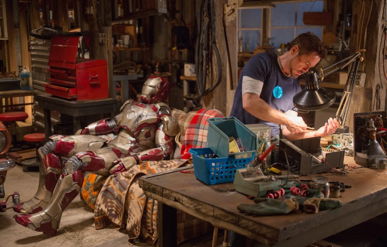 Photo wallpaper house, table, sofa, robot, Robert Downey Jr, Robert Downey ml, Tony Stark, Iron man 3, …