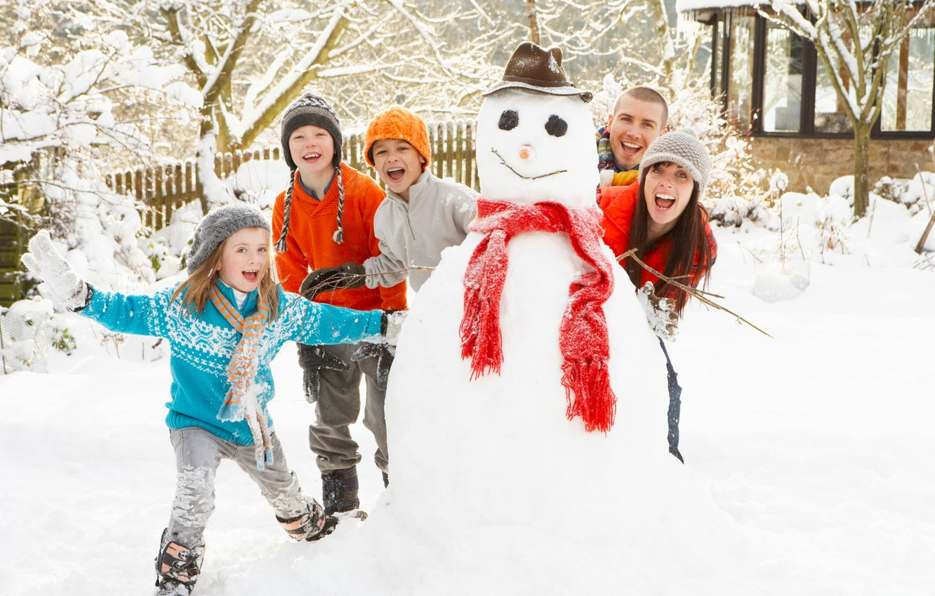 Photo wallpaper winter, snow, mood, new year, family, snowman