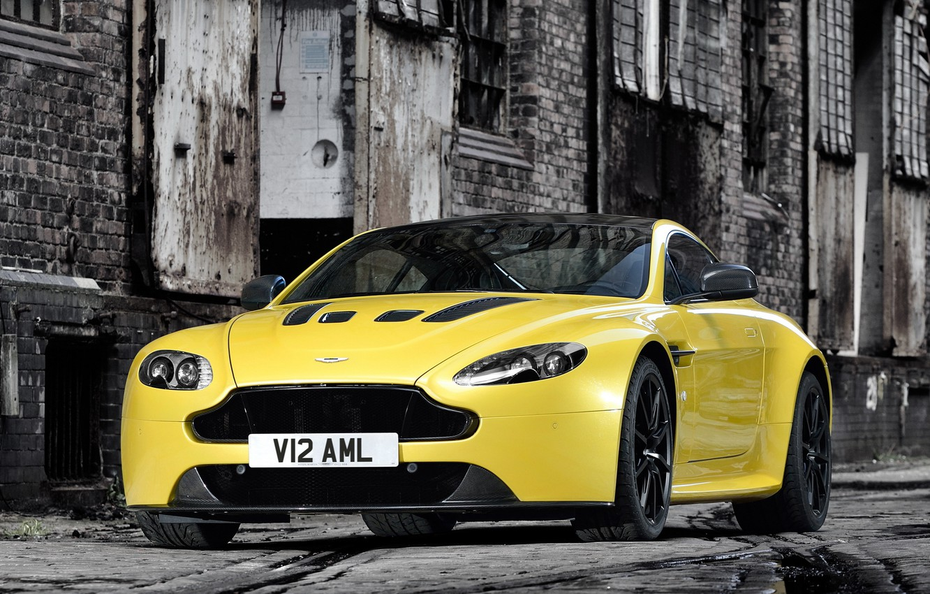 Photo wallpaper auto, yellow, Aston Martin, the front, front, V12 Vantage S
