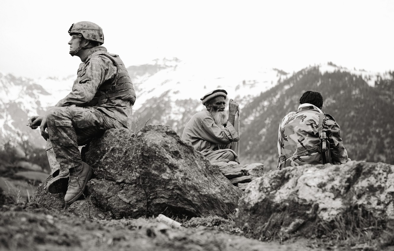 Photo wallpaper soldiers, the old man, American, Afghanistan