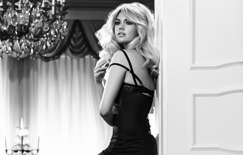 Wallpaper Look Girl Photo Room Model Blonde Chandelier Black
