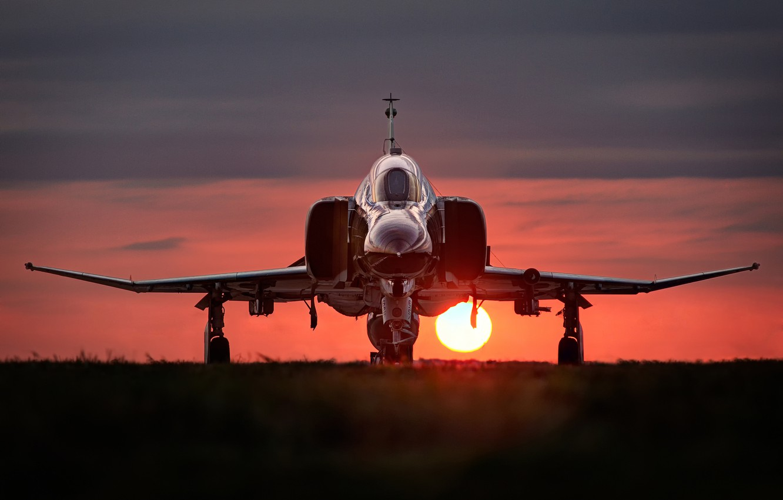 Photo wallpaper the sun, sunset, fighter, F-4, multipurpose, Phantom II, McDonnell Douglas, Phantom II